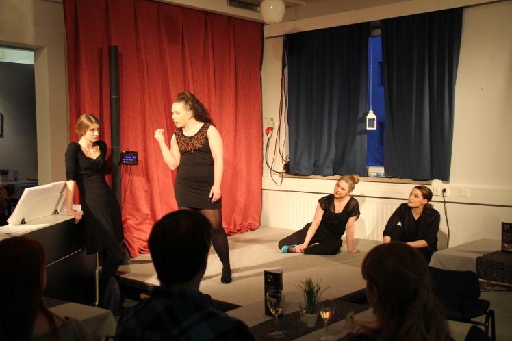 Tytäryhtiö: Minun ääreni, Rovaniemen teatteri 2014